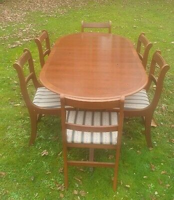 Yew Extendable Dining Table  And 6 Chairs • 95£