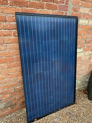 £999 • Buy Pack Of 8 ROMAG Polycrystalline Solar Panels - Made In The UK - 2Kw System