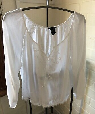 Pretty White Top. Peasant Style. Forever 21. Size M. • 6£
