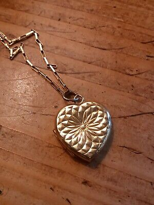 Lovely Vintage 9ct Gold Heart Keepsake Photo Locket Pendant And Chain • 50£