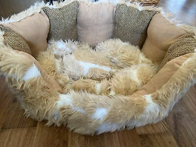 Dog Bed Basket Medium Beige Cream Fluffy Machine Washable • 3.20£