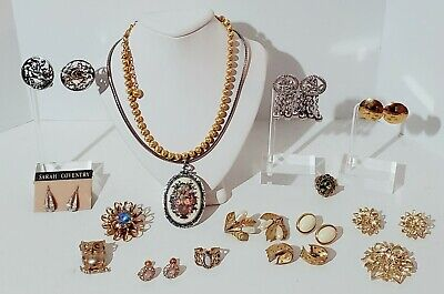 $ CDN1.29 • Buy Vintage Trifari & Sarah Coventry Costume Jewelry Lot. Brooches, Rings, Clip-on