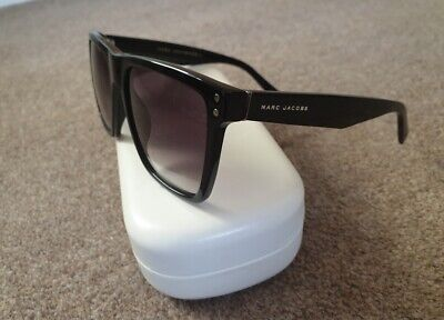 Mark Jacobs Ladies Sunglasses With Case • 39.82£