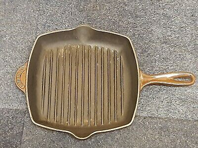 LE CREUSET CAST IRON  Griddle Pan  NO 26  • 3.20£