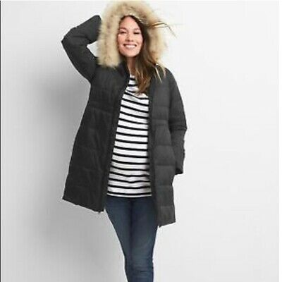 Maternity ColdControl GapFit Puffer Coat With Hood | Gap • 16.80£