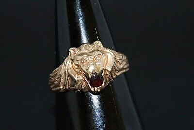 9ct Lions Head With Ruby Stone Size O • 185£
