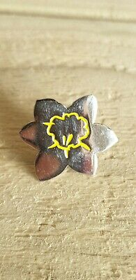 Marie Curie Silver Tone Daffodil Stud Pin Badge Charity • 0.99£
