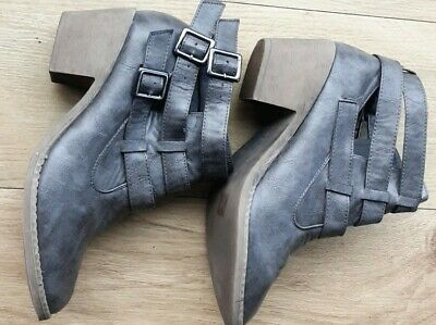 Ladies Boots By London Rebel Size 7 • 7.49£