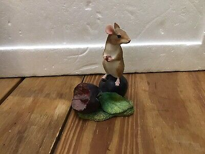 Border Fine Arts Mice On Fruit A8008 Mouse On Plum • 9.99£