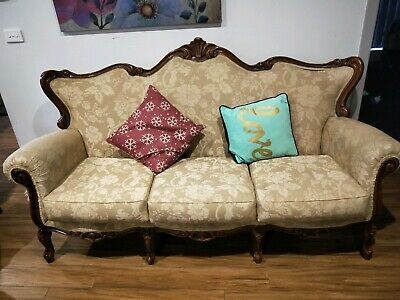 AU400 • Buy 6 Piece Antique Furniture Set, Includes Side Tables And Coffee Table