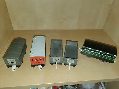 Tomy Trackmaster Thomas The Tank Engine Carriages Troublesome Trucks & Clarabel  • 6£
