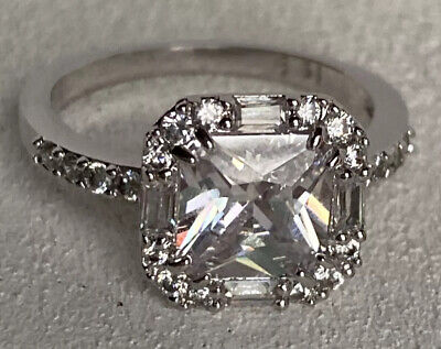 $ CDN51.02 • Buy Lia Sophia Stunner Ring Size 9 Silver Tone Breathtaking Rare Cz Accents Must See