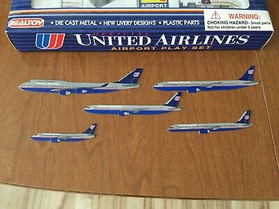 $34.99 • Buy Real Toy United Airlines Airport Play Set Diecast Plane Model Airplane Hong Kong