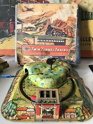 Mettoy Playthings Twin Tunnel Clockwork Railway Set 1950 With Box .. No Key • 127£