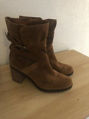 Clarks Artisan Suede Tan Ankle Boots Size 6.5 Immaculate • 12.50£