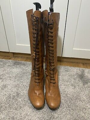 Clarks Tan Lace Up Heeled Boots Size 8 • 14.50£