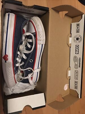 Blue And Red Heart Converse Kids • 1.70£