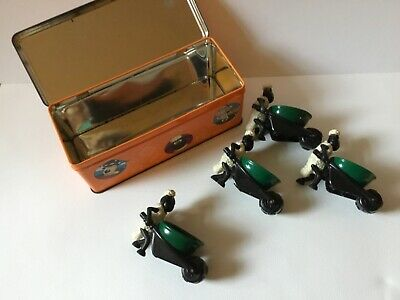 A Wallace & Gromit Cracker Tin From 1998 And 4 Wheeled Shaun The Sheep Eggcups • 14.99£