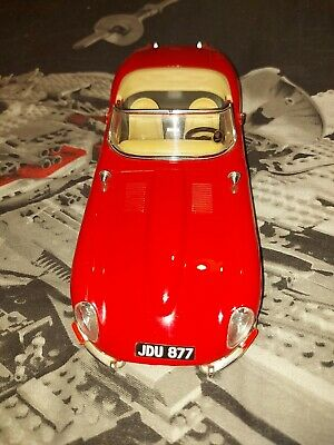 1/18 Die Cast Jaguar E Type (1961) By Burago Made In Italy • 7.50£