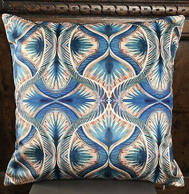 Stunning Peacock Design Velvet Cushion Cover 16x16 In, 40x40 Cm • 14.99£