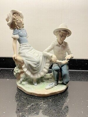 Nao By Lladro Figurine  A Tender Moment  Boy Bandaging Girls Foot  #448 • 30£