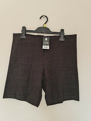Ladies Shorts Size L. 14-16.  New  • 5£
