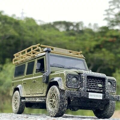 Muddy Green Land Rover Defender Car Model Diecast Toy Vehicle  • 22.99£