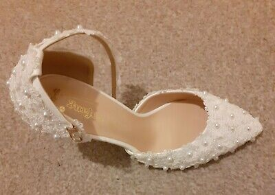 Wedding Shoes Size 5.5 Leather And Lace Stiletto Heel Closed Toe Pumps • 30£