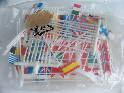 Tyco, Bag Of Trackside Flag5 And Flag Poles (approx 25). • 3£