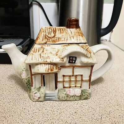 £4.40 • Buy Small Novelty Cottage Teapot