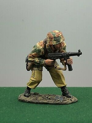 $42.36 • Buy King And Country Ww2 German Soldier Crouching With Mp40 218