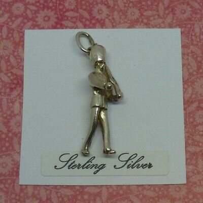 £6.99 • Buy GOOD Vintage Sterling Silver Charm  MARCHING SOLDIER, GUARD  For Charm Bracelet