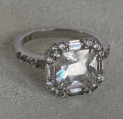 $ CDN54.58 • Buy Lia Sophia Stunner Ring Size 6 Silver Tone Breathtaking Rare Cz Accents Must See