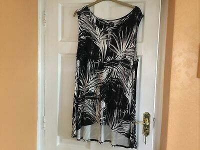 Ladies Black And White Longline Top Size 22 • 3£