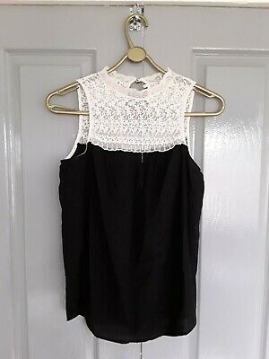 Women's Zara Trafaluc Collection Black & White Embroidered Collared Top  • 4£