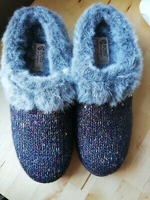 Skechers Bobs Knit Slippers Size 3 - NEW • 15£