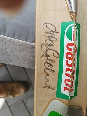 AU50 • Buy CRICKET BAT ADAM GILCHRIST SIGNED REAL SIZE BAT 85CM         No Reserve Auction