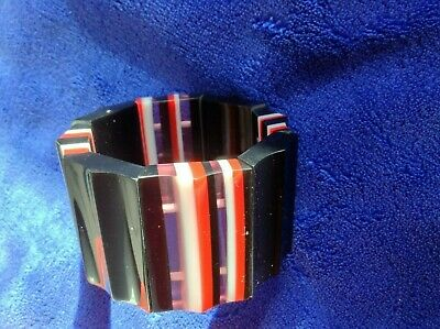 Black Stretch Bracelet With Red And White Stripes • 2.50£