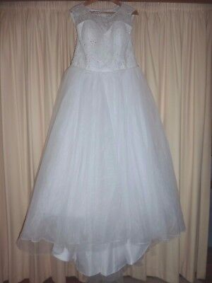AU300 • Buy Wedding Dress Size 12 - 14 Lace Bodice - Tulle Skirt With Train - Lined