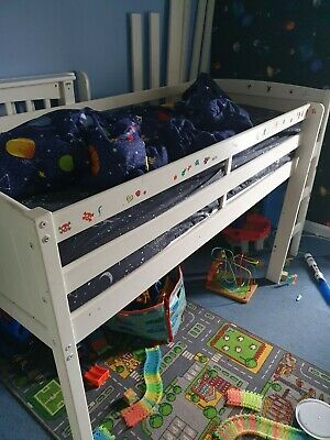 Cabin Bed • 20£