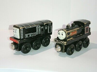 DONALD And DIESEL Thomas & Friends - Wooden X 2 TRAINS LEARNING CURVE  • 8£