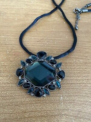 $ CDN17.75 • Buy Lia Sophia Long Necklace With Green Pendant - New In Box