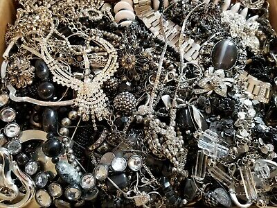$ CDN257.97 • Buy HUGE 17 Lbs Vintage Mod Wearable Jewelry LOT Necklaces Bracelets Brooches Rings+