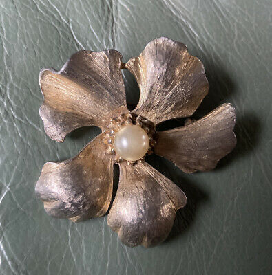Large Vintage Sphinx Brooch Gold Tone Textured  Flower With Faux Pearl - Signed • 0.99£