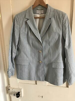 Cotswold Collection 18 Jacket And Skirt • 1.30£