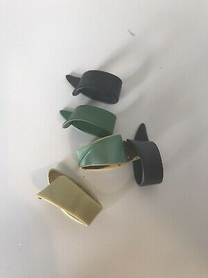 $ CDN7.49 • Buy Small Lot Of 5 Vintage Bakelite(?) Plastic Thumb Guitar Picks