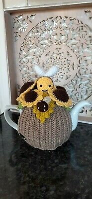 £24.99 • Buy Handmade Crocheted Tea Cosy Bee And Sunflower 4/6 Cup Size