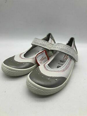 £7 • Buy New Ex-Display Childrens SuperFit Girls White/Silver Elastic Strap Pumps
