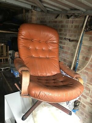 Chair Quirky, Retro, Leather. Rocking Office, Waiting, Comfy, Baby, Maternity, • 250£