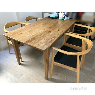 AU500 • Buy Oak Dinning Table Set, Hardly Been Used In As New Condition!